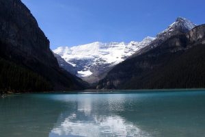 Lake Louise with mountains in the background