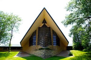 Image of Frank Lloyd Wright's First Unitarian Society Meeting House