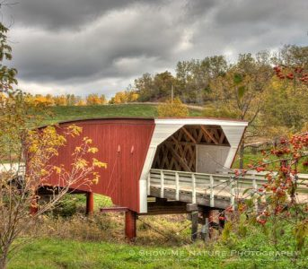 Image of covered bridge.